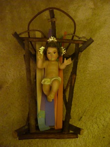 Crib of Sacrificial Love- © SalveMaterDei.com, 2011.