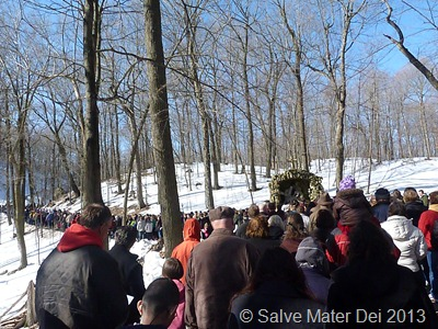 Outdoor Stations of the Cross at Holy Hill © SalveMaterDei.com, 2013