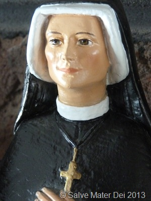 St. Maria Faustia, Please Pray for Us! © SalveMaterDei.com, 2013.