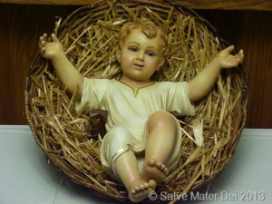 We are called to prepare our hearts to receive the real Divine Infant. © SalveMaterDei.com, -2013.